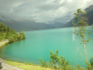 Amazing color scheme between Brienzersee and Bruenig.