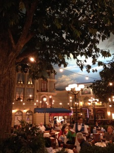 What a pretty bistro scene in Paris, Las Vegas.