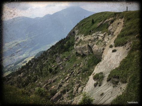 Monday-Hike_08-Rockslide