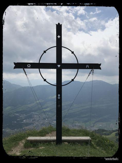 Monday-Hike_09-Cross